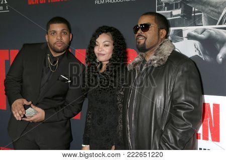 LOS ANGELES - JAN 17:  O'Shea Jackson Jr, Kimberly Woodruff,  O'Shea Jackson, Ice Cube at the