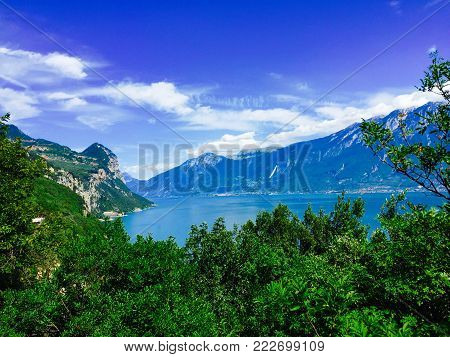 Amaing view to the lake of garda