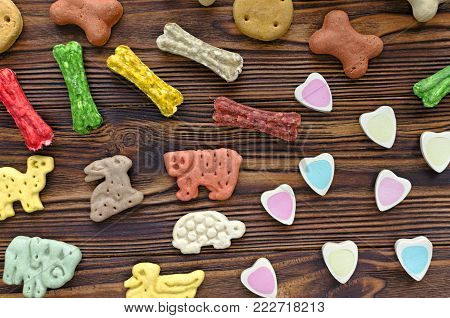 multicolored chewing dog treats with diferent tastes