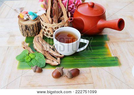 Lingzhi mushroom tea - Ganoderma lucidum for health
