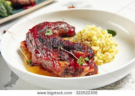 Stewed Oxtail with Bulgur Garnish