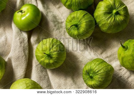 Organic Green Fresh Tomatillos