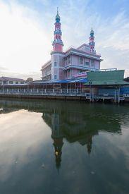 Yam I Ya Tun Muslimin (surao Daeng)  Mosque In Bangkok , Thailand