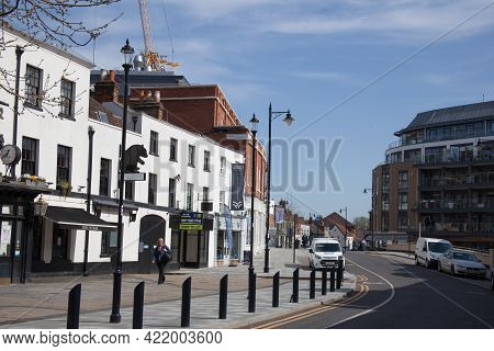 Buildings In Maidenhead Including The Wetherspoon\'s Pub The Bear In Berkshire In The Uk, Taken 30th