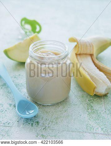 Jar Of Banana Puree, Apples And Banana