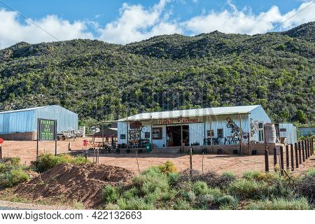 Amalienstein, South Africa - April 6, 2021: Frikkie Se Gat, A Road Stall Next To Road R62 Near Amali