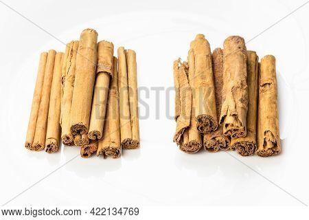 Two Kind Of Ceylon Cinnamon - Alba Premium And Continental On White Plate
