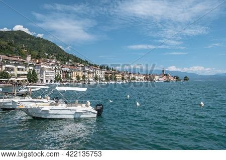 Salò (bs), Italy - August 25, 2020. Panoramic View Of The Historic Part Of Salò On Lake Garda Italy.