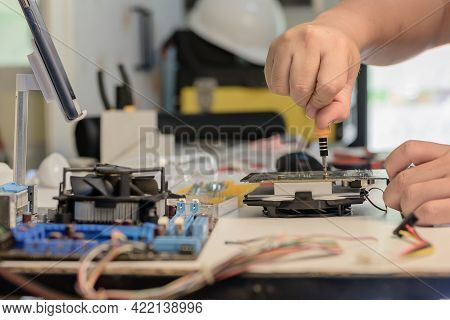 The Electrician Or Engineering Maintenance And Fix Computer Hardware.