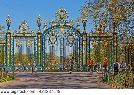Lyon, France, April 8, 2021 : Lyon People At The Main Entrance Of The Park On A Sunny Spring Day. Th