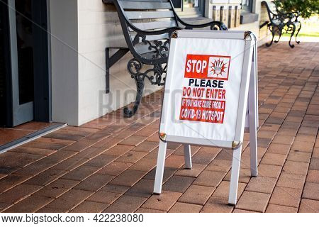 Coronavirus Warning Sign In Australia: Stop. Please Do Not Enter If You Come From Covid-19 Hotspot