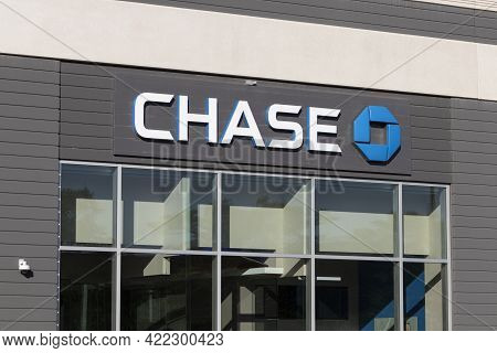 Chicago - Circa May 2021: Chase Bank Retail Location. Chase Is The Consumer And Commercial Banking B