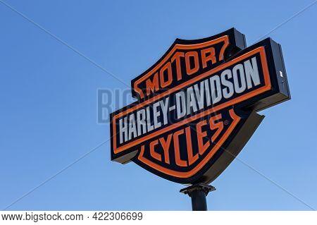 Ottawa, Ontario, Canada - May 31, 2021: The Logo Of Harley-davidson Motor Company (nyse: Hog) On A S