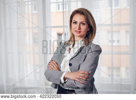 Beautiful business woman portrait. Beauty Woman face Portrait. Beautiful business woman portrait. Woman smiling portrait on white background. Beautiful woman smiling. Woman portrait business. business Woman face. Woman portrait looking at camera. Business