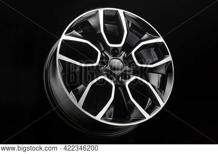 Car Suv Alloy Wheel, Powerful Wheel Design, Split Spokes Color Black With Polished Front Part, New M