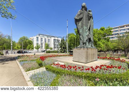 Sofia, Bulgaria - May 9, 2021: Saint Cyril And Saint Methodius Monument In Front Of National Library