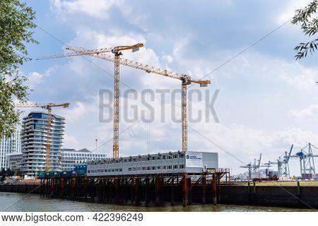 Hamburg, Germany - August 7, 2019:new Luxury Real Estate Developments In The Port Of Hamburg