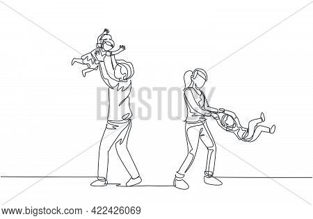 Single Continuous Line Drawing Of Young Young Mom And Mom Playing With Their Son And Daughter At Hom