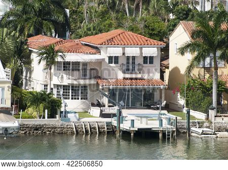 The Luxury Residential House With A Pier On Artificial Palm Island In Miami (florida).