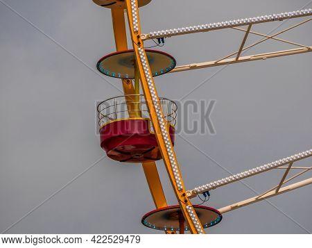 Big Ferris Wheel Detail. Retro Look Ferris Wheel In Amusement Park