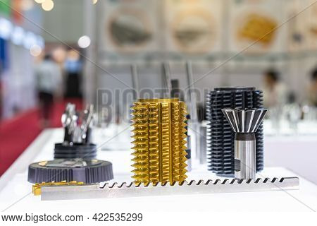 Various Type High Speed Gear Hobbing Cutting Spacial Tools And Cone Or Dovetail Cutter For Industria