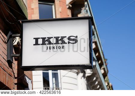Bordeaux , Aquitaine France - 05 27 2021 : Ikks Junior Text Brand And Logo Sign Front Of Store For K