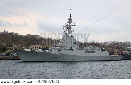 Istanbul, Turkey - April 04, 2021: Spanish Navy Frigate Mendez Nunez (f-104) In Sarayburnu Port