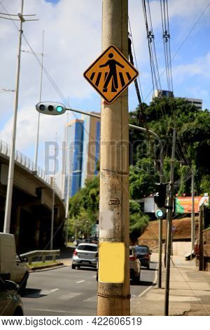Salvador, Bahia, Brazil - May 26, 2021: Traffic Signs Indicating The Passage Of Pedestrians In A Str