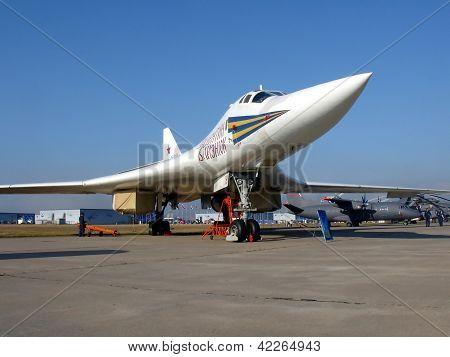 Bomber Tu-160