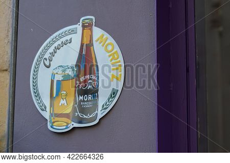 Bordeaux , Aquitaine France - 06 01 2021 : Moritz Text Brand And Logo Sign Spanish Beer From Barcelo