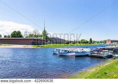 Neva River Bank, Peter And Paul Fortress And Walking Tourist Boats. Summer Sunny Day - Saint Petersb