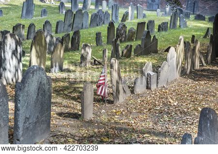 Boston, Usa - Sep 12, 2017: Rows Of Headstones Under A Tree At Granary Burial Ground. It Became A Ce