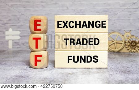 Etf, Exchange Traded Fund, Realtime Mutual Index Fund That Can Trade In Equity Stock Market, Cube Wo