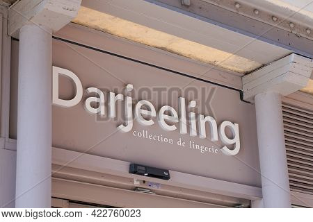 Bordeaux , Aquitaine France - 05 27 2021 : Darjeeling Sign Logo And Brand Text Store Lingerie Underw