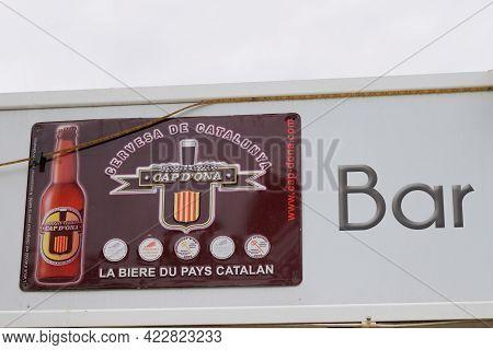 Bordeaux , Aquitaine France - 06 01 2021 : Cap D'ona Logo Text And Brand Sign Of Cervesa De Cataluny