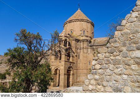 Medieval Armenian Cathedral Of Holy Cross & Its Park, Akdamar Island, Van Lake, Gevaş Turkey. Walls