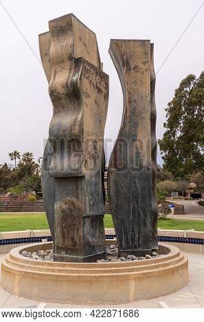Santa Barbara, Ca, Usa - June 2, 2021: City College Facilities. Metal Statue Composition And Fountai