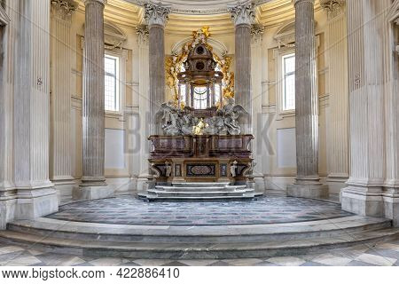 Venaria Reale, Italy - Circa May 2021: Sacred Catholic Altar In Baroque Style And Cupola. Day Light.