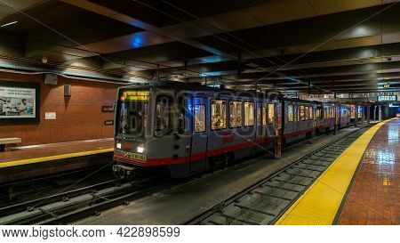 San Francisco, California, Usa - August 2019: Muni Subway Train At Castro Station With Commuters