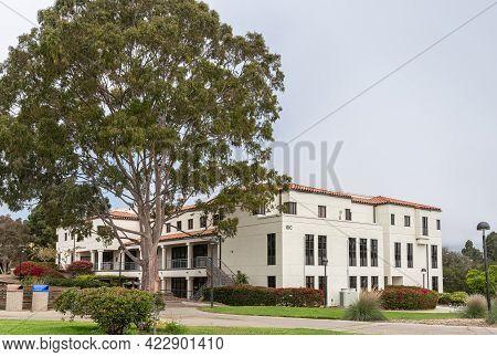 Santa Barbara, Ca, Usa - June 2, 2021: City College Facilities. White Idc Building With Tall Tree An