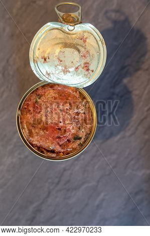 Open Can With Wet Cat / Dog Food