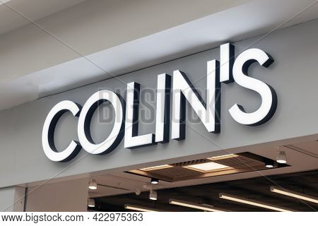 Colins Logo, A Sign On A Clothing Store. A Brand Of Modern Mens And Womens Clothing Krasnoyarsk, Rus