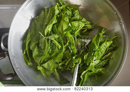 Cooking Japanese spinach or