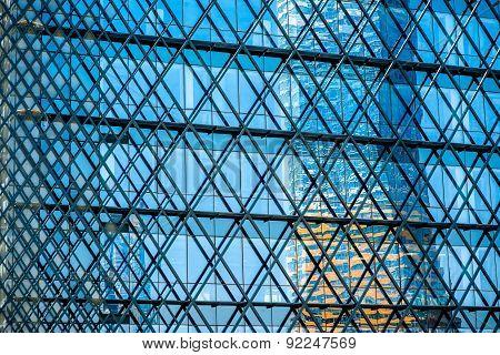 Contemporary facade construction