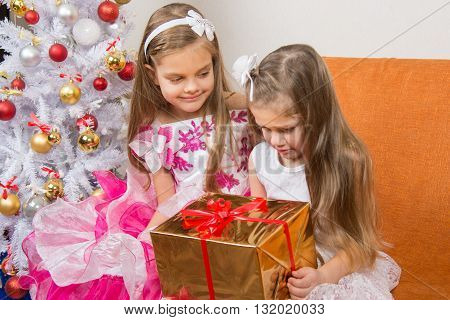 Girl Encourages Another Girl Who Gave The Wrong Gift