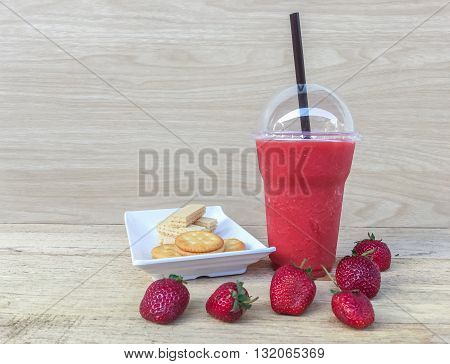 Strawberry Smoothie And Biscuit