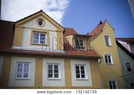facade of a yellow house in fussen