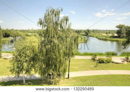 Tambov. Recreation area citizens. Alley on the banks of the river Tsna