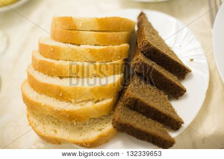 White And Grey Fresh Bread On Plate