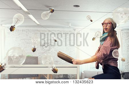 Student girl read book